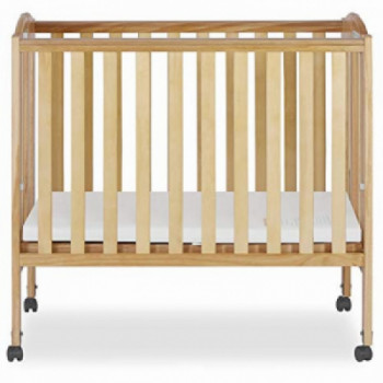 Mini Crib with Linens rental Tampa