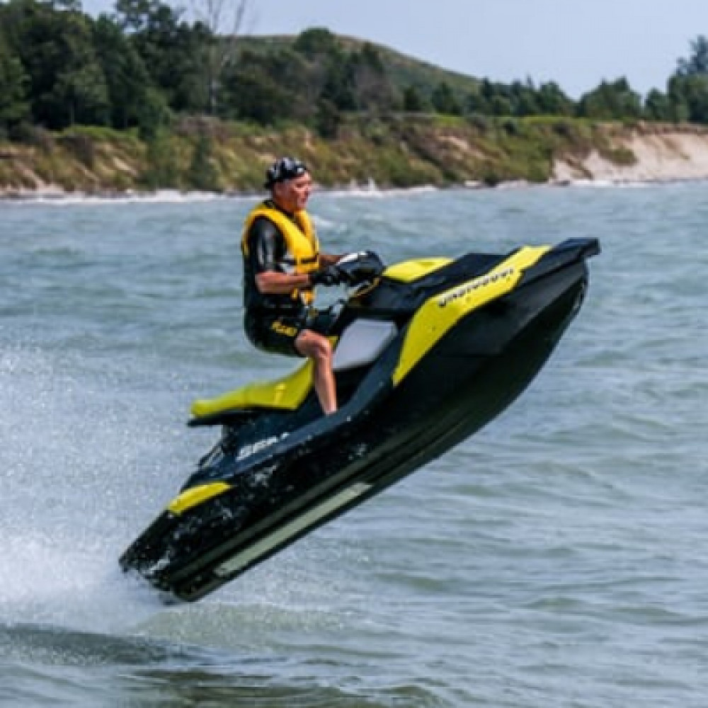 Jet Ski  rentals in Tampa - Cloud of Goods
