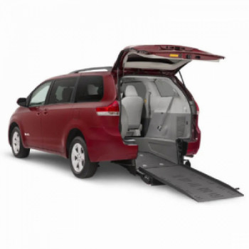 Rear entry wheelchair minivan  rental Hollywood