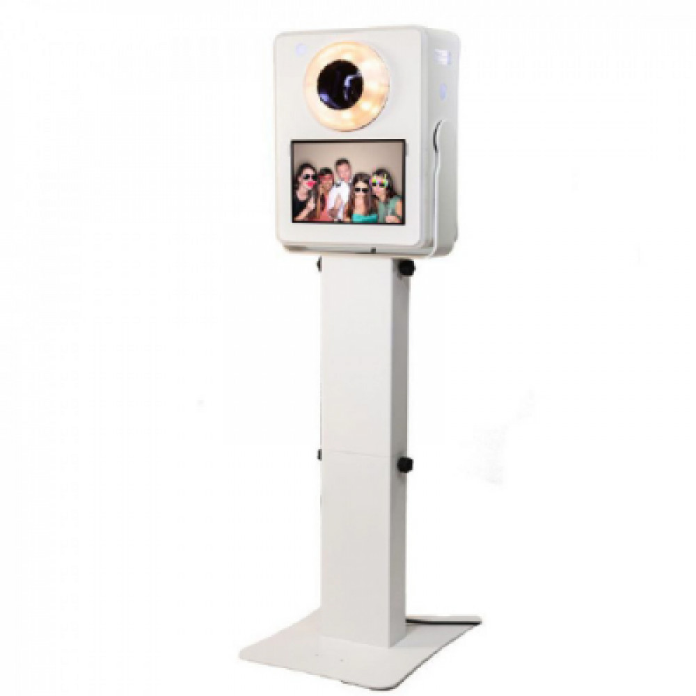 photo booth  rentals in Orlando - Cloud of Goods