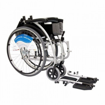 Ultra Light Standard Wheelchair rentals in Pigeon Forge - Cloud of Goods